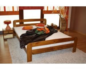 drevena-manzelska-postel-prostorna-800x650